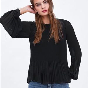 NWT Zara Pleated Top